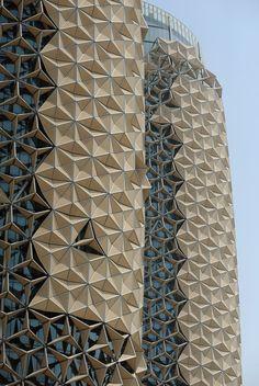Facade al bahar office towers architectuur, gevel, kunst Kinetic Architecture, Unique Architecture, Futuristic Architecture, Facade Architecture, Interactive Architecture, Abu Dhabi, Facade Design, Wall Design, Exterior Design