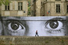 Funny pictures about Photorealistic Graffiti. Oh, and cool pics about Photorealistic Graffiti. Also, Photorealistic Graffiti photos. 3d Street Art, Street Art Utopia, Amazing Street Art, Street Art Graffiti, Street Artists, Amazing Art, Urban Graffiti, Street Mural, Amazing Eyes