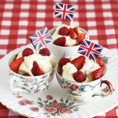 British strawberries and cream tea party British Party, British Summer, English Summer, British Themed Parties, British Wedding, Theme Parties, Party Themes, Theme Anglais, Royal Tea Parties