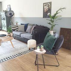 #vintage #shelfie #gold #blackwhite #interior #homedetails #interior4all #roomforinspo #interiordetails #styling #livingroom #ikea #huiskamer #woonkamer