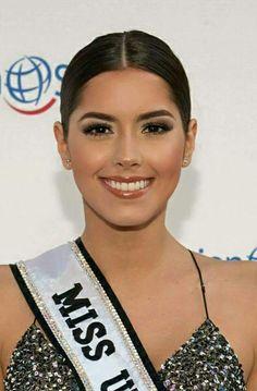 Paulina Vega Miss Universe 2014, Vegas, 42nd Street, City Photo, Beauty, Beautiful, Girls, Color, Fashion