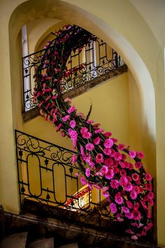 Art Festival, Grapevine Wreath, Grape Vines, Stairs, Wreaths, Flowers, Home Decor, Stairway, Decoration Home