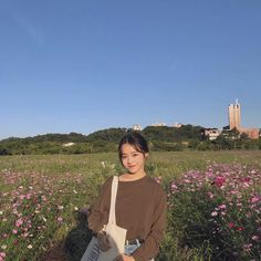 Ulzzang Korean Girl, Cute Korean Girl, Asian Girl, Korean Aesthetic, Aesthetic Girl, Ullzang Girls, Travel Pose, Korean Photo, Korean Beauty Girls