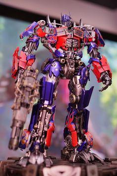 3A TRANSFORMERS - DOTM: Optimus Prime Premium Scale Figure - Page 7