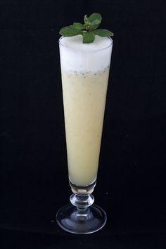 Você já conheceu as propriedades do abacaxi AQUI. Agora é a hora de saber a receita do suco de abacaxi que sempre faço. É bem fácil e aí vai! Ingredientes: – 2 fatias de abacaxi (200g)…