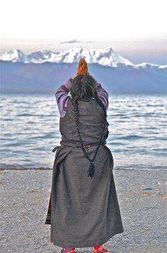 Pilgrim's prayer . Tibet