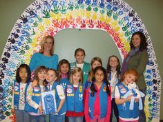 daisy girl scout Bridging decoration (creating this would fulfill the remaining requirements for the painting badge) Girl Scout Bridging, Girl Scout Troop, Scout Leader, Cub Scouts, Girl Scout Cookie Sales, Brownie Girl Scouts, Girl Scout Cookies, Girl Scout Activities, Girl Scout Juniors
