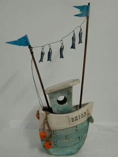 Inspirace Boat: ▷ ideas and inspiration to your image Porzellatropical inspired pattern Ceramic Pottery, Pottery Art, Ceramic Art, Diy Clay, Clay Crafts, Arts And Crafts, Ceramics Projects, Clay Projects, Sculptures Céramiques