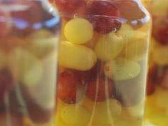 Σταφύλια σε ρακή - όπως κεράσια σε κονιάκ! | TasteFULL