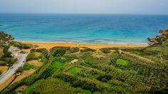 Vue aérienne de la baire de Ramla l-Ħamra.