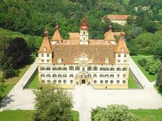 Eggenberg castle is an architectural gem with 4 towers, 12 state rooms, 52 rooms, 365 windows. Austria Tourism, Austria Country, Lichtenstein Castle, Vienna Woods, Graz Austria, Visit Austria, Travel Music, Vacation Pictures, Study Abroad