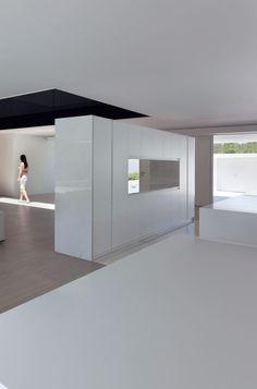 Balint House in Spain by Fran Silvestre Arquitectos _
