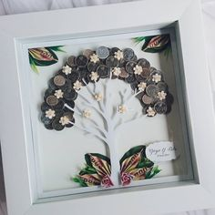 Mahar pohon koin desain original oleh Lavana. 😍 --------------------------- on pict Mahar koin + uang kertas mainan 30x30cm frame polos… Pop Up Frame, Diy And Crafts, Arts And Crafts, Diy Gifts, Wedding Gifts, Sewing Patterns, Dream Wedding, Wedding Decorations, Marriage