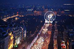 L'Avenue des Champs-Elysees. Paris, France.