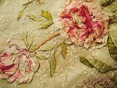 刺繍パネル - イギリスとフランスのアンティーク | 薔薇と天使のアンティーク | Eglantyne(エグランティーヌ)