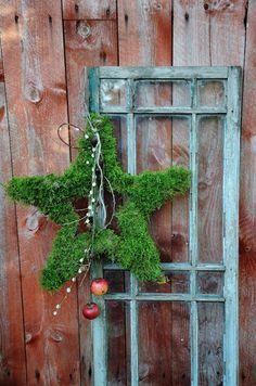 LILJOR OCH TULPANER: Kransar Christmas Time Is Here, Cozy Christmas, Christmas Holidays, Christmas Wreaths, Christmas Ornaments, Christmas Garden Decorations, Outside Decorations, Christmas Arrangements, Holiday Crafts