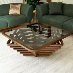 Solid Wood Coffee Table, Unique Coffee Table, Rustic Coffee Tables, Coffee Table Design, Woodworking Furniture Plans, Diy Woodworking, Glass Dining Table Set, Wood Art, Furniture Decor