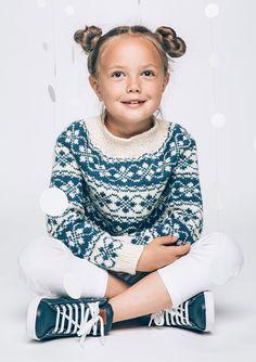 Bilderesultat for skansen genser Knitting For Kids, Crochet For Kids, Baby Knitting, Knit Crochet, Diy Knitting Projects, Knitting Designs, Girls Sweaters, Cardigans, Knit World