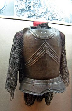 Romanian Medieval Ring Armour with Cuirass Heavyness of such dressing code must suggest a cavalryman and the details on the cuirass, a (sub-) leadership position. Hosted in the National Military Museum, București.