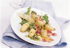 Spargel mit Vinaigrette Vinaigrette, Potato Salad, Potatoes, Ethnic Recipes, Food, Asparagus, Easy Meals, Potato, Essen