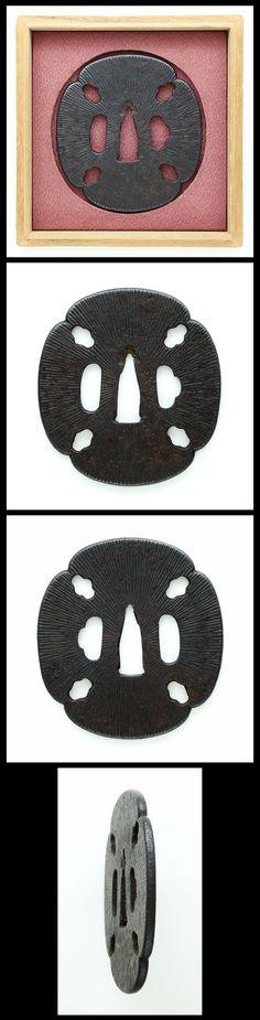 Ordering number : F15690 Tsuba:(NBTHK Hozon Paper) Mei (signature) : Mumei(Tosho) Length :  7.92cm x  7.31cm ( 3.12inches x 2.88inches) Thickness of rim: 0.35cm ( 0.14inches) Jidai(era) :Edo Period...