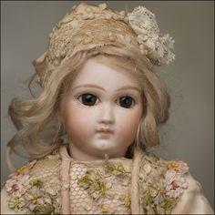 Very Early Jumeau Old Dolls, Antique Dolls, Vintage Dolls, Pretty Dolls, Beautiful Dolls, Doll Toys, Barbie Dolls, Maurice Careme, Little Dolly