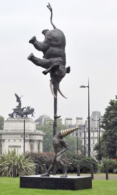 Contemporary Sculpture DUNAMIS: A 9 Meter Tall Sculpture by British Sculptor Bushra Fakhoury (Achilles Way, Park Lane, London)