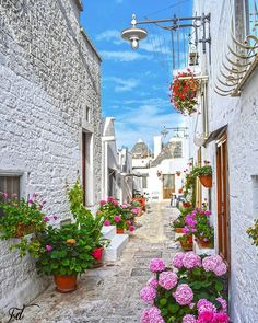 Welcome to Alberobello, Italy 📷 Photo by : 📷 Share your favorite cities and include ✔ Альберобелло, Италия . Siena Toscana, Wonderful Places, Beautiful Places, City Wallpaper, Mediterranean Garden, European Destination, Pictures Of People, Beautiful Gardens, Cool Photos