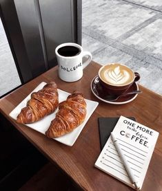 Find images and videos about food, chocolate and coffee on We Heart It - the app to get lost in what you love. Coffee Is Life, I Love Coffee, Coffee Break, Coffee Shop Aesthetic, Aesthetic Food, Coffee Shop Photography, Food Photography, Coffee And Books, But First Coffee
