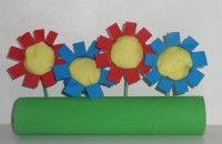 Bloemen van wc-rolletjes