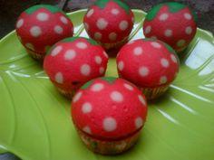 strawberry steamed cupcake