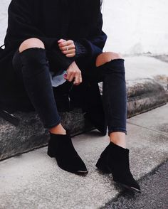 // All black everything with @senso boots, #Celine shades and @wonhundred_official knit