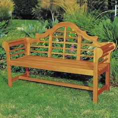 Beautiful, classic bench inspired by the design of British architect Sir Edwin Lutyens.