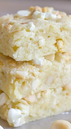 These bars are soft, moist, and buttery with the classic white chocolate and macadamia nut combination. A must try!