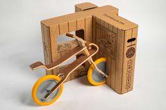 Trasformare il packaging di una moto giocattolo in un'estensione dell'esperienza di gioco stessa: è la sfida della Brum Box, la scatola della Brum Brum.
