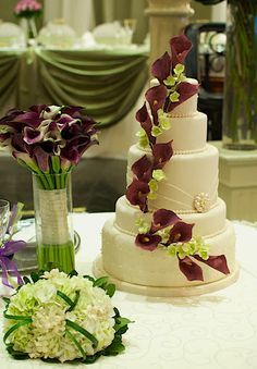 Jacqueline Lo-Wedding Cake  plum calla lillies!!