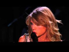 ▶ Taylor Swift performing 'All Too Well' at The Grammy's 2014 HD - YouTube