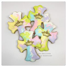 Cross Cookies, Baptism Cookies, Cookie Company, Easter Cross, Cookie Decorating, Decorated Cookies, Creative, Spring, Inspiration