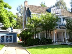 Desperate Housewives Movie Set - Blue Van De Kamp / Hodge House