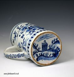 Antique English pottery delftware tankard early century period - Antique Staffordshire Pottery of John Howard Blue And White China, Blue China, Porcelain Ceramics, White Ceramics, Art Nouveau, English Pottery, Antique Pottery, Pottery Making, Japanese Pottery
