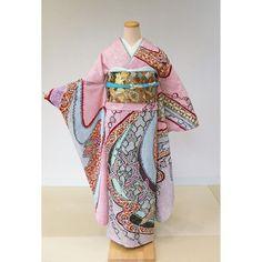 着物レンタル MadoiがInstagramで動画をシェアしました:「新商品入荷のお知らせ〜総絞り振袖〜  きもの好きの憧れ、総絞り この度円居レンタルのライナップに 新しく仲間入りいたしました - 【A-88】 - 多色 総絞り 水流に梅と鶴…」 • アカウントをフォローすると1,087件の投稿を見ることができます。 Kimono Top, Tops, Women, Instagram, Fashion, Moda, Women's, Fasion, Trendy Fashion