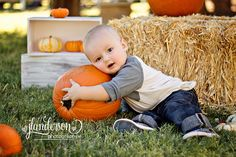 Thinking of doing late fall family photos this year Fall Baby Pictures, Fall Family Photos, Fall Photos, Fall Baby Pics, Fall Pics, Pumpkin Patch Pictures, Pumpkin Photos, Baby Pumpkin Pictures, Autumn Photography