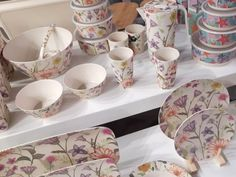 Tendenze di stile da HOMI 2020 Boho Chic, Tea Cups, Tableware, Art, Dinnerware, Dishes, Teacup, Tea Cup, Cup Of Tea