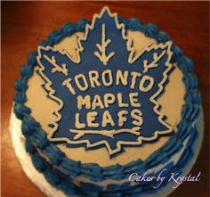Toronto Maple Leafs huh that could be done on my birthday haha Hockey Birthday Cake, 25th Birthday, Hockey Cakes, Delicious Desserts, Yummy Food, Bad Mom, Cupcake Cookies, Cupcakes, Dream Cake