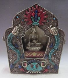 Old Tibet Tibetan Silver Shakyamuni Buddha Gau Ghau Shrine Box