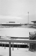 Inch Print (other products available) - LONDON, WINTER 1981 : Chelsea FC stadium Stamford Bridge covered in winter snow. (Photo by Hugh Hastings/Chelsea FC ) Stamford Bridge - Image supplied by Chelsea Football Club - Inch Photograph printed in the UK Fc Chelsea, Chelsea Football, Retro Football, College Football, European Soccer, Stamford Bridge, Football Stadiums, Tottenham Hotspur, Liverpool Fc