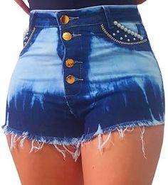 Resultado de imagem para shorts jeans cintura alta Hot Pants, Sexy Skirt, Dark Denim, School Outfits, High Waist Jeans, Jean Shorts, Indigo, Fashion Outfits, Lady