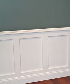Prodigious Unique Ideas: Faux Wainscoting Woods wainscoting mudroom board and batten.Types Of Wainscoting Board And Batten wainscoting stairs diy. Dining Room Wainscoting, Wainscoting Panels, Wainscoting Ideas, Rustic Wainscoting, Paneling Ideas, Wainscoting Nursery, Dining Room Paneling, Craftsman Dining Room, Beadboard Wainscoting