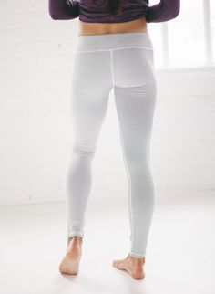 if you're looking for flattering, striped, cute leggings for fall and winter time, you've come to the perfect place! Albion will take care of all your legging dreams - we've got chic patterns, ultra soft material, high waisted looks, etc! pictured: {Sweet Stripe Extend Leggings} | @albionfit