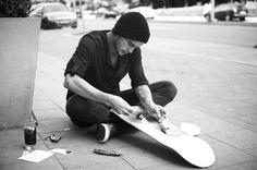 La culture skate rencontre les marques de luxe dans d'ingénieuses publicités